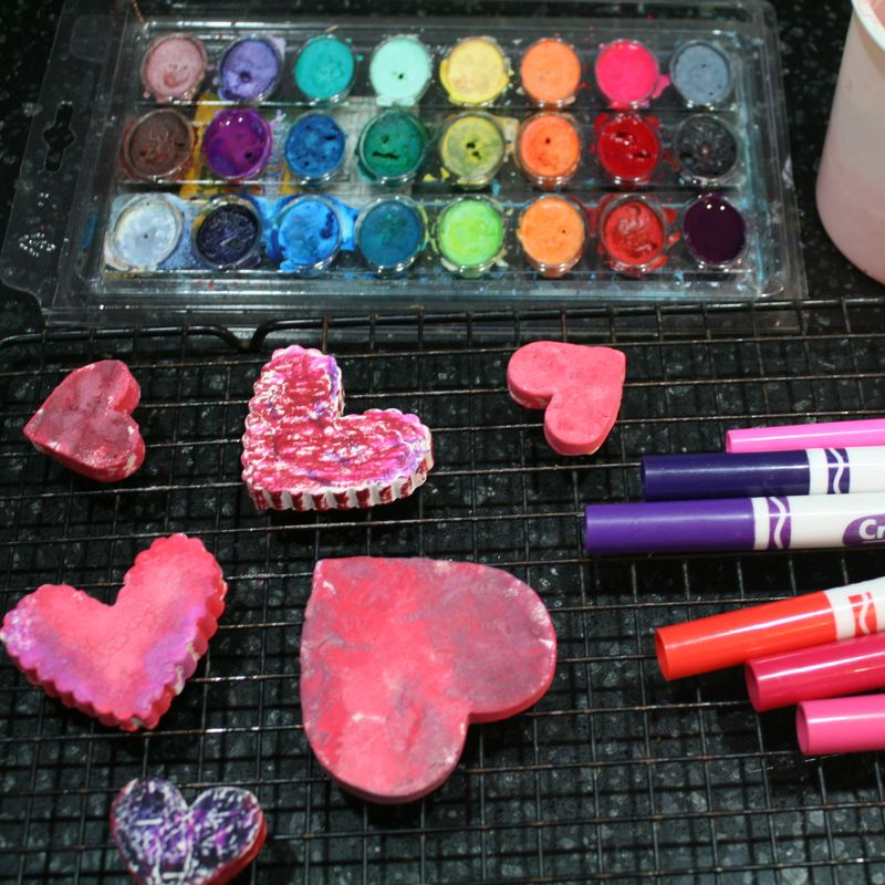 play clay valentine hearts