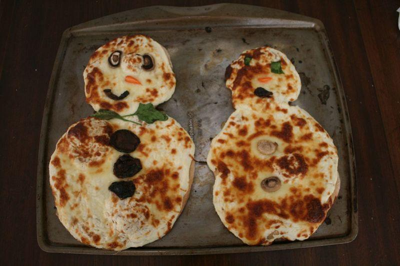 Snowman Pizzas