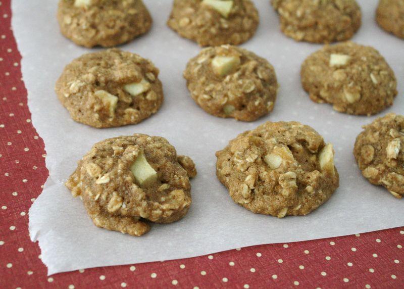 Whole Wheat Apple Oatmeal Cookies