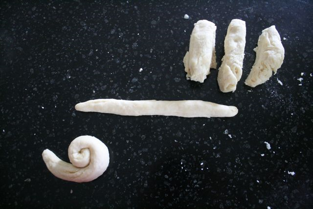 Snail Rolls - The Snail and the Whale - Off the Shelf
