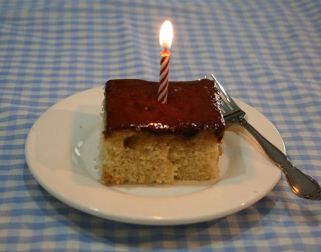 Mix-in-the-Pan Vanilla Cake - It's My Birthday - Helen Oxenbury - Off the Shelf