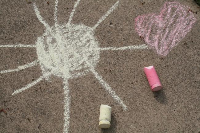 DIY Make Your Own Sidewalk Chalk - The Art Lesson - Off the Shelf