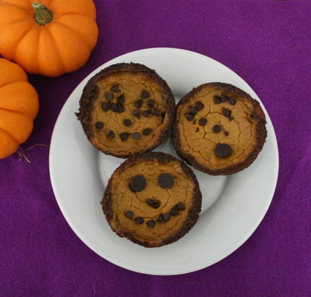 Mini Pumpkin Jack-o'-lantern Pies with Gingersnap Crust - The Vanishing Pumpkin - Off the Shelf